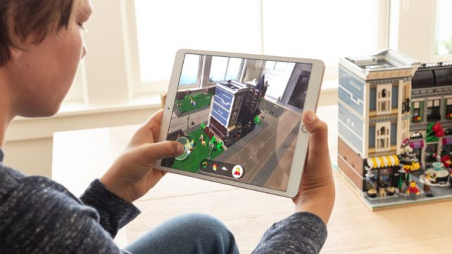 Introduction To Augmented Reality (AR): How It Works?