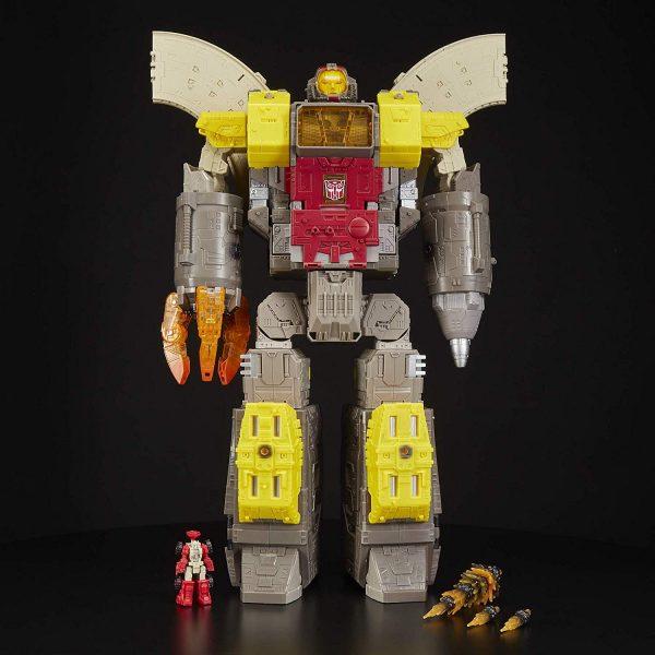 Titans Class Omega Supreme with his accessories.