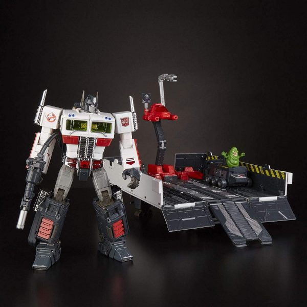 SDCC exclusive Optimus Prime fully transformed.
