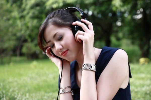 Listen to Pandora Music