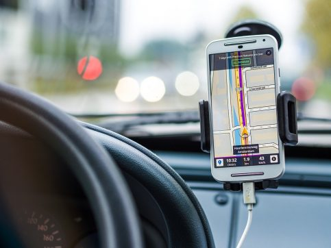 Waze vs Google Maps: Which Navigation App Is The BEST