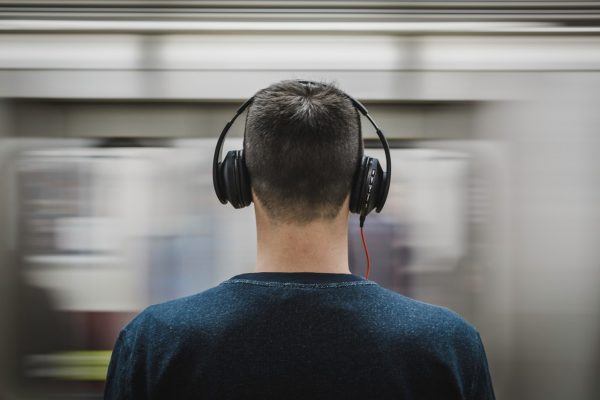 Best Over Ear Headphones Buying Guide (2020 Edition)