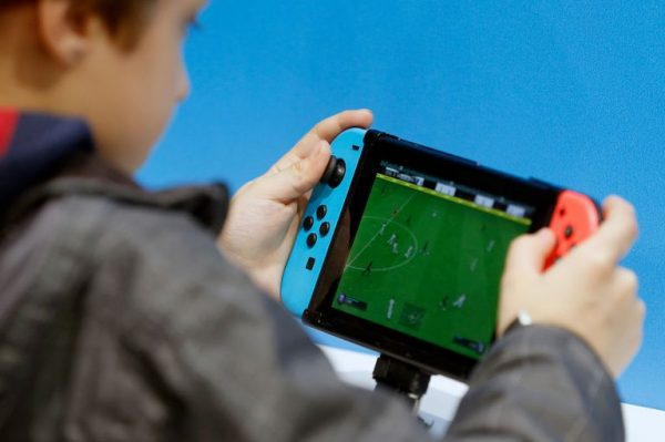 playing the switch handheld