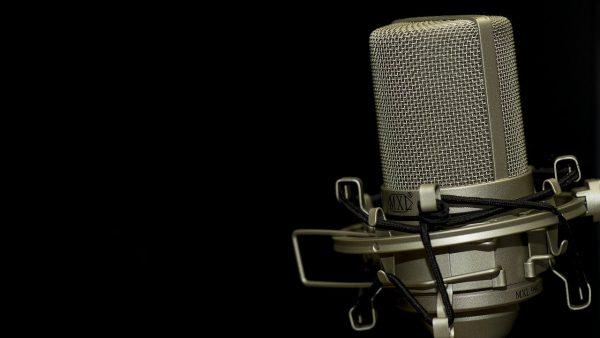 microphone in black bg