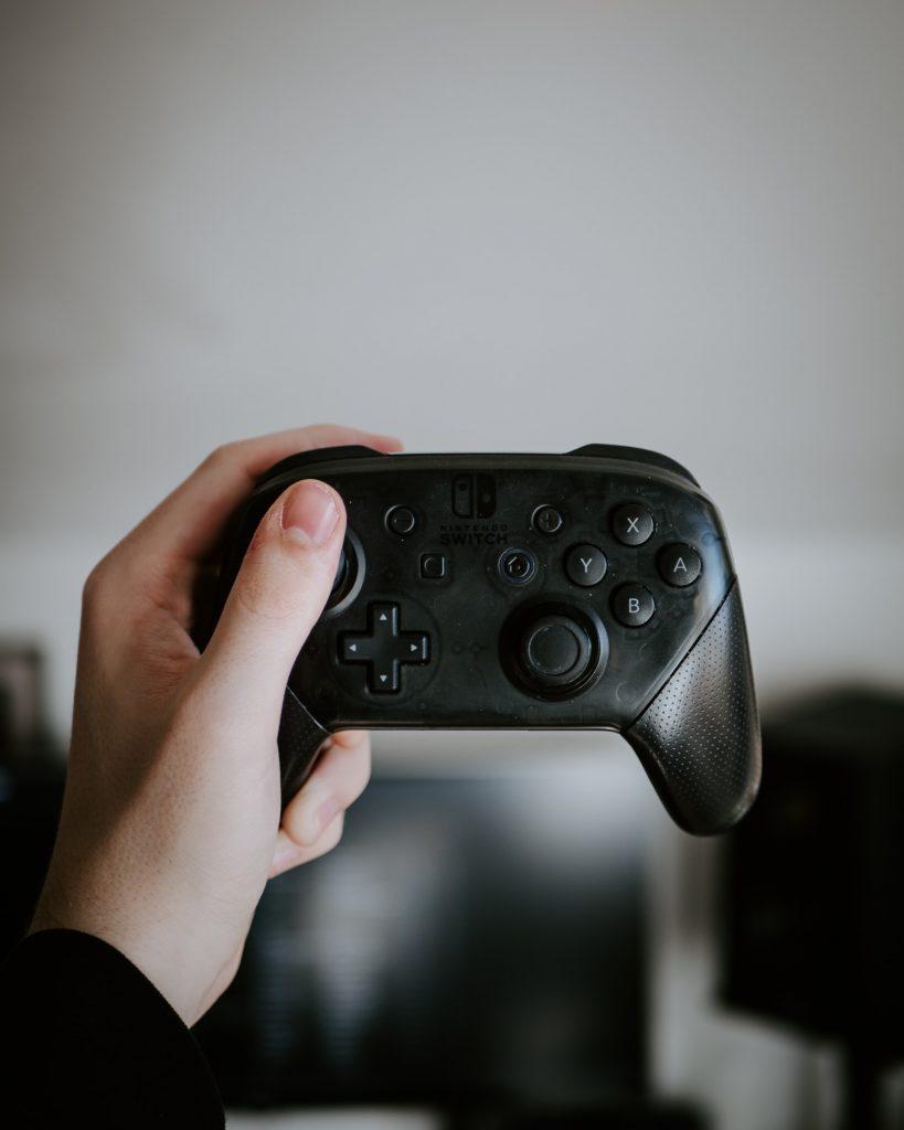 http://Nintendo%20Switch%20Pro%20Controller