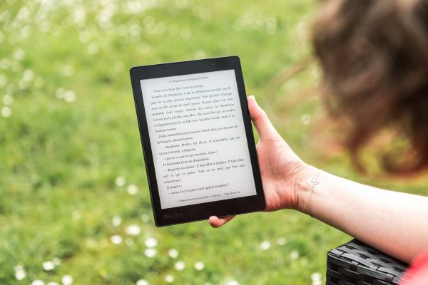 Reading outside with an eReader