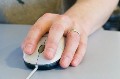 12 Best Left-Handed Mouse for Gaming and Everyday Use in 2020