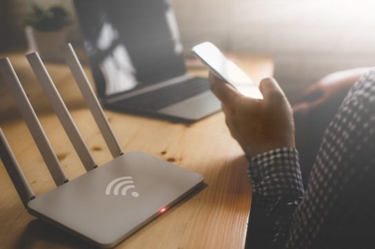 6 Signs to Know That You Need to Buy A New Router