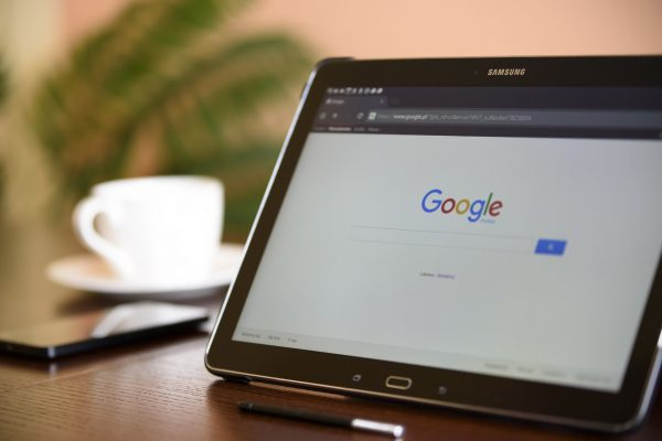 Virtual Assistant Battle: Search Engine