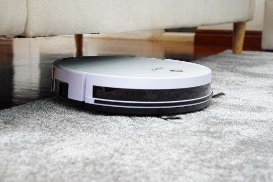16 Best Robot Vacuums for Pet Hair to Get For Your Home