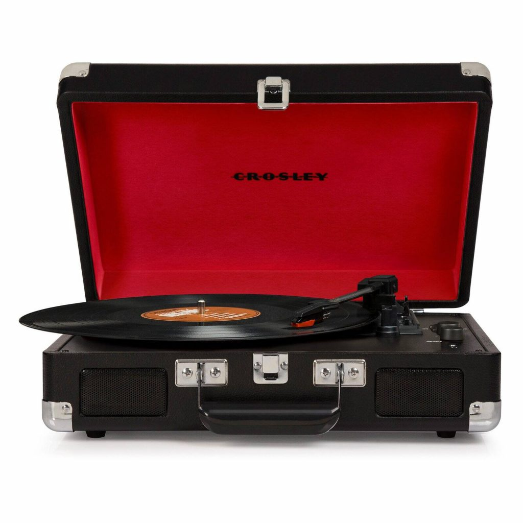 http://Crosley%20Cruiser%20Deluxe%20Stereo%20Turntable%20tech%20gifts