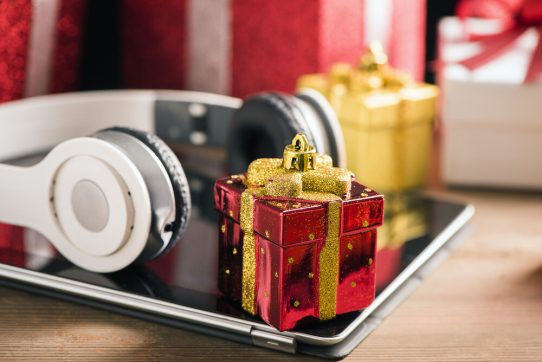 50 Best Tech Gifts This Christmas (2020 Edition)