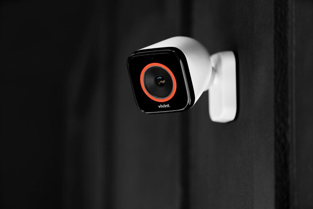 http://Vivint%20Outdoor%20Camera%20Pro