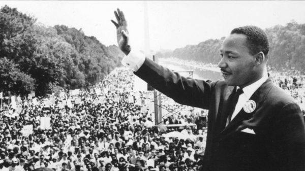 MLK-Addressing-a-Crowd