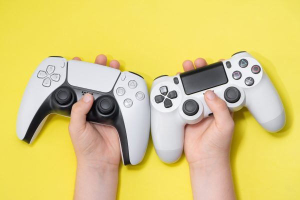 ps5 & ps4 controllers