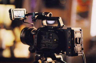 10 Best Vlogging Cameras for Social Media Success