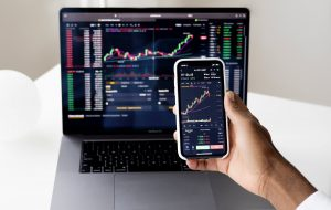 Stock Market Apps: The Most Comprehensive Services in 2021