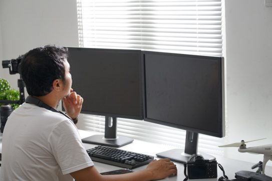 How to Set Up Dual Monitors for Your Work-From-Home Setup
