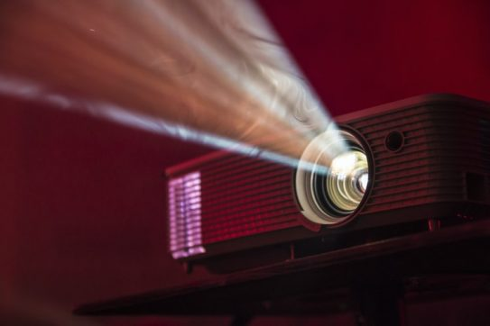 15 Best Home Theater Projector Models for Watching Movies Indoors