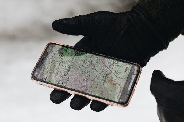 How Do Bluetooth Trackers Work